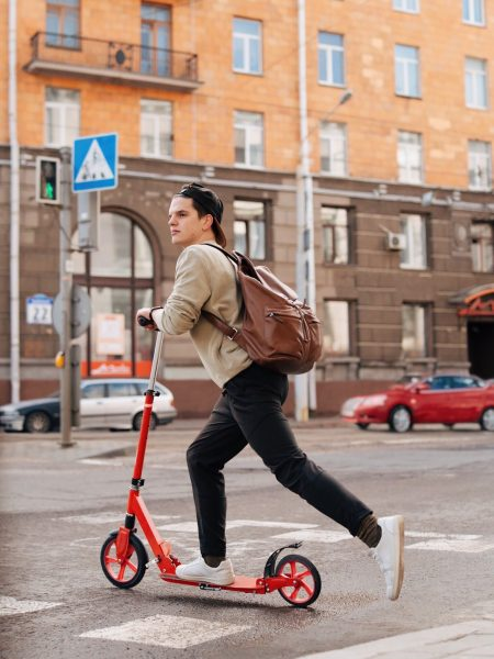 Guided tour: Discover Hamelin with the e-scooters
